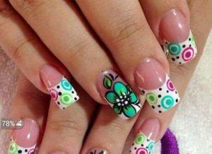 unas-decoradas-con-flores-3