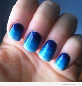 unas-decoradas-azul-3
