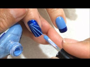 unas-decoradas-azul-5