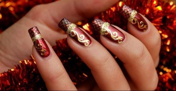 uñas decoradas con piedras para navidad